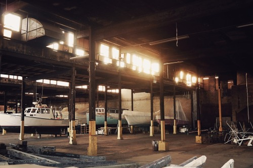 warehouse-691922_1280